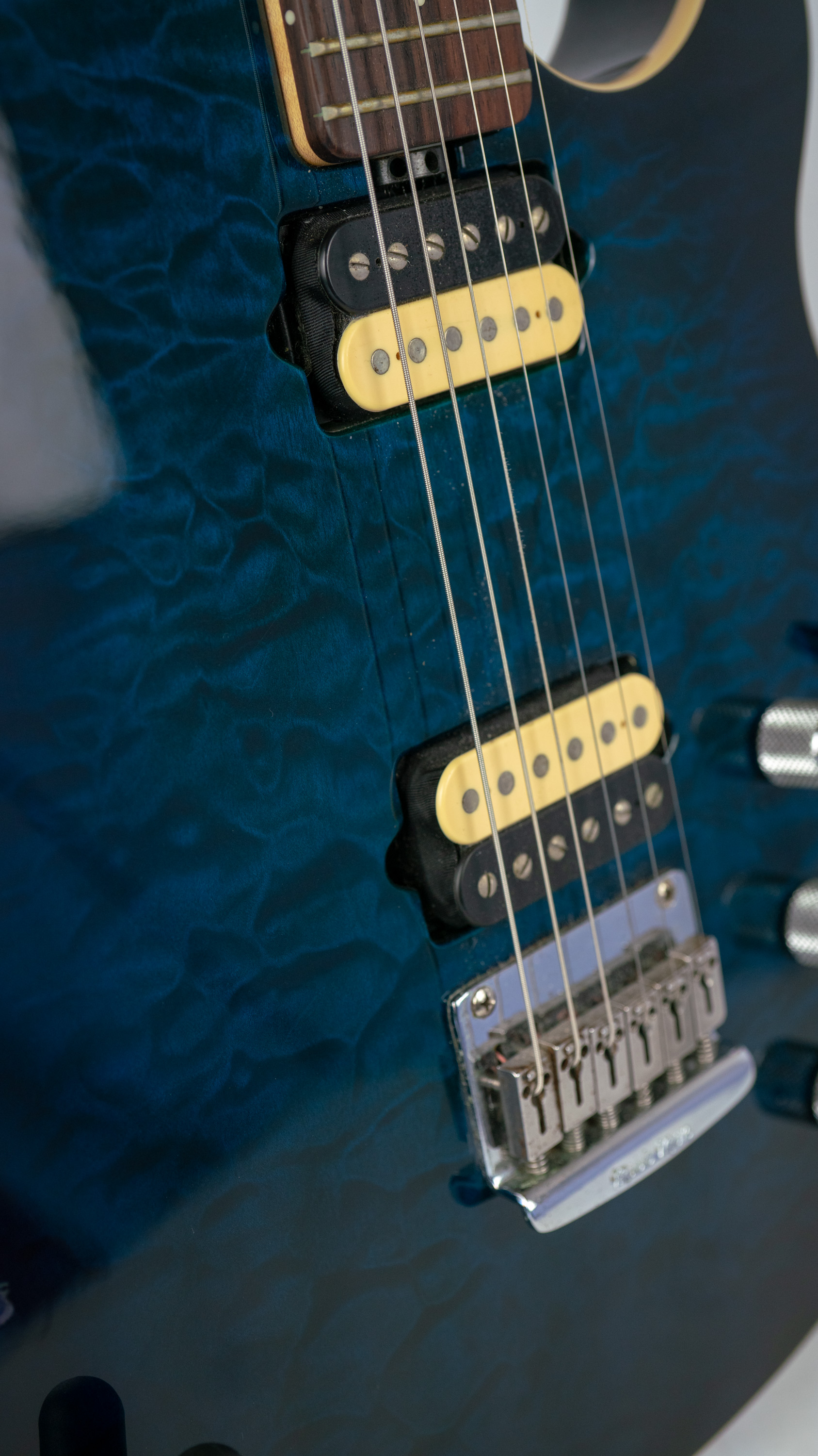 Music Man Axis Super Sport Piezo Body Detail.jpg